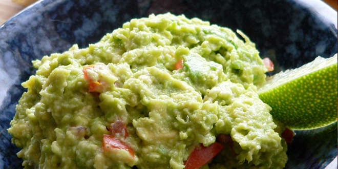 Whole30 Recipe Book:  Mexi-salad with fresh guacamole