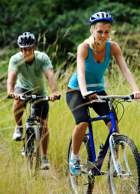 couple biks exercise